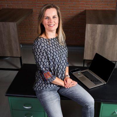 Anneke Hoek